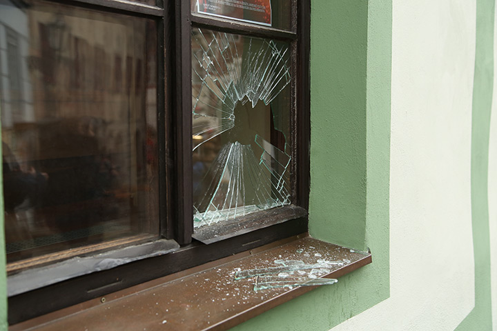 A2B Glass are able to board up broken windows while they are being repaired in Isleworth.